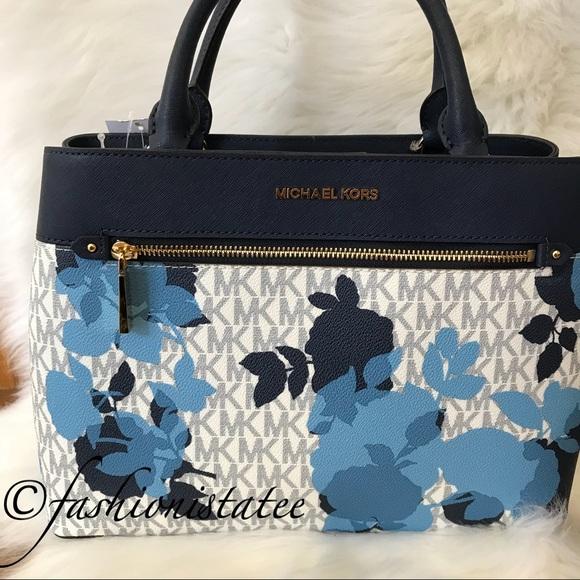 fe2840eb07a6 NWT Michael Kors Hailee Medium Satchel Navy Bag